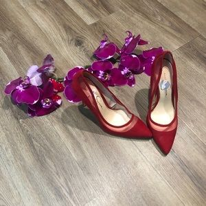 Jessica Simpson red pumps size 7